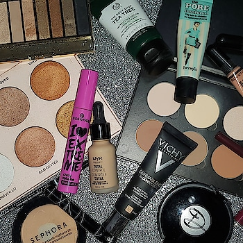 This week's makeup look consists of;   ❤️ Benefit's Porefessional PRO Balm ❤️ NYX Total Control Drop Foundation in Medium Olive ❤️ Vichy Dermablend 3D Corrective Foundation in Sand ❤️ L.A.Girl PRO.Conceal HD.High-Definition Concealers in Peach Corrector and Pure Beige ❤️ DarkDivaDolls Dual Powder in C4 Yellow ❤️ Sephora 8HR Mattifying Pressed Powder in Medium 03 Sand ❤️ ABH x Nicole Guerriero's Highlight Kit ❤️ ABH Contouring Kit (Light to Medium) ❤️ MaxFactor Eyeshadow Palette in Golden Nudes ❤️ Essence Super Precise Liner in Black ❤️ Essence I Love Extreme Crazy Volume Mascara in Black ❤️ Mina Lipliner in 401 ❤️ NYX Soft Matte Lip Creme in Copenhagen  #contentcreator #youtuber #beautyblogger #indianyoutuber #beautyvlogger #singaporebeautyblog #singaporebeautyblogger #clozette #theleiavblog #theleiav #makeup #makeupflatlay