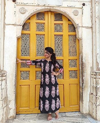 #ropo-love #ropo-style #jaipurikurti #loveforfashion #royalfeel #myswaglook #myswag #beyourownkindofbeautiful #beautifulcolors #beingdesi #beingme #beautifulview #bewhoyouare #be-fashionable #roposo-fashion #shoppingtips #ethnicfashion #ethniclove