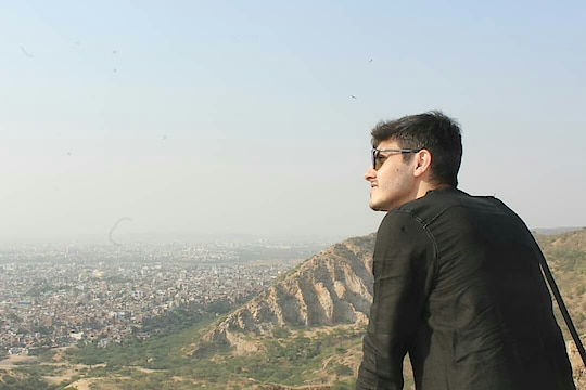 💛💛 #rishabhdatta #travel-diaries #indianblogger #travelphotography #travelblogger #indiantravelblogger #travel #blogger #travel-love #traveligram #roposotraveldiaries #roposotravel #roposoblogger #influencer #dmforcollabration