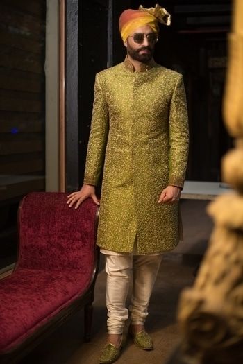 "For the gorgeous, the bold and a bit ""hatke"" groom who loves to stay update with the latest runway trends and wants to shun the age old traditional look, Achkan sherwani is the thing for you."
