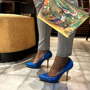 Weekends are for bringing out all the jazz  . . .  #INTOTOs #fashionforall #globaltrends #shoelove #designershoes #shoefie #womenswear #daylook #partywear #brandshop #weekendwear #new #stilettos #stylefile #shinyheels #whatshot #party #shinyshoes #pointedtoeheels #highheels #funky