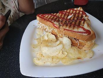 cheese grill sandwich..  #so-ro-po-so #roposo-food #food #foodiesofindia #foodgram