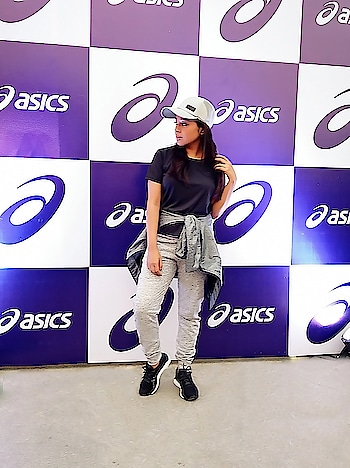 #Fun with #fitness is what I witnessed at the 'GET MOVING WITH ASICS' #zumbasession by @shweshetty yesterday!  I have never seen a crowd with so much  energy at one place. Thank you @asicsindia for organizing such an amazing event, look forward for more! . #IMoveMe #ASICSIN . . . . . #ASICSAthletes#Instafitnes#fitspiration #Workout#Athletic #fashionblogger #indianblogger #fashionbloggerindia #bangaloreblogger #bangalorefashionblogger #bangaloreblogger  #Sportswear#fitnessaddict#igfitness #athleisure#nevrbackdown#sportfashion