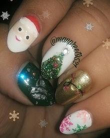🎄❄🎅⛄My Christmas nails 💅  #nailstagram #nailartwow #notd #nailsofinstagram #wmk #picoftheday #nailartholic #nailartwow #nailswag #nails2inspire #NailArtPromote  #nailstamping  #nailedit #nailporn #nails #nailfie  #nailstagram  #December #holiday #nailsonfleek #kaur #merrychristmas #snow #santa #happy #potd #art #happyme #roposo #roposolove #roposonails #festiveseason #festival