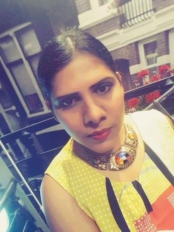 #sonam kapoor #hairstyleing #celebritystyle #hairdo #easytodo #smartandsexy #lovetopost #roposo-makeupandfashiondiaries #summer-style #weekendoutfit #delhiblog #everydaywear #wkurti #yellowandblack