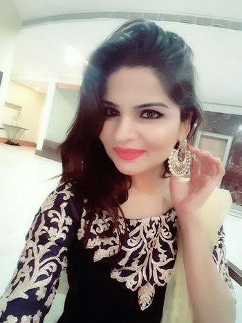 #weddding #weddingscenes #decoration #jewelrylover #gold-jewellery #blue #gold #styling #imageconsultant #bloggerdiaries #marriageseason