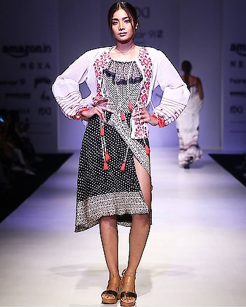 FDCI #Amazon India Fashion Week# by NEXA# Spring/Summer 2018#Visit us at our dlf emporio store for our latest collection #rinadhaka #dlfemporio #weddings #newcolletion #gold #glitter #indian #bridestyle #shimmer #bridestyle #indianwear #elegant #beautiful #dhotipants #indianbride #luxurydesign #instashop #instalove #buynow #getthelook