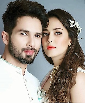 Such a cute couple 😍 Agree?  Follow the page for the latest bollywood update and Gossips ;) #bolloywoodcollection #bollywooddresses #bollywoodnews #bollywoodwedding #actress #hollywood #shahidkapoor #kapoor #trending #news #latest