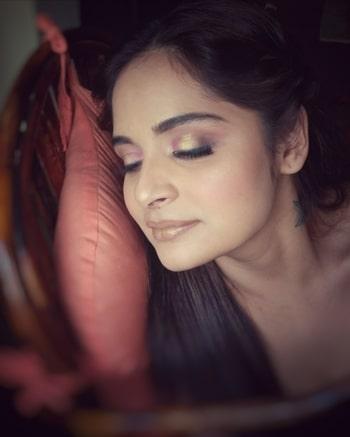All that Glitters!  #makeupbyruchirupramka #makeupartist #makeupartistindia