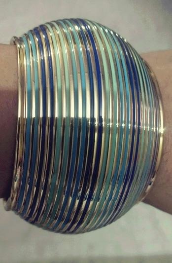 #adjustable #bracelet #braceletsoftheday #metal #metaljewellery #jewelleryfever #blue-coloured #blue-green #accessoriesoftheday #accesorize #fashion jwellerry #fashionableaccessories #styleup #handcuffjewelry #handcuffjewellery  #bracelets