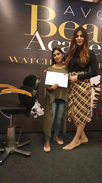Me With Celebrity Make Artist #sharddhabachani Getting My Certificate From #Sharddhabachani Completing 👌💯 My Make Up Tutorial Nude Make Up Expert   #Avon #avonindia #avontruecolour #avon makeup beauty tips #MarkByAvon #avonlipstick #avon new york #avonlover #avoncosmetics #nude  #makeuptutorial  #roposobeauty #happymomentsinlife  #proudmoment
