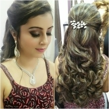 #makeupartistmumbai #bride #bridalmakeup #wedding #weddingmakeup #bridesofindia  #bridesofmumbai #hairdo #hairstyling #freshflowers #bridestory #theweddingbrigade #thebridestory #thebridesofindia #shaadidsaga #weddingz.in #thebigfatindianwedding  #wedwise @bigindianwedding @weddingplz @weddingsutra @wedmegood @bazaarindia @bazaarbridein @loveweddingsfeb @shaadimagic @bridalasia @wedwise.in @thebridalaffair @weddingvows @the.runway.bride @theweddingco @loveweddingsfeb #poonamsmakeup #poonamshahsmakeup #indianwedding #asianwedding #weddingmakeupartist #hairstylist #makeupgeek #makeupaddict #wakeupandmakeup