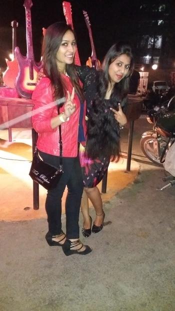 #tedbakerlondon #slingbag #only #redjacket #wrangler #blackjeans #party #saturdaynight #classicrockcoffee  #ootn #ootn