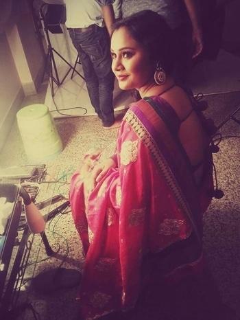 throwback #shootdiaries #sareelover #indianstyleblogger #ethniclook #ethnic-wear  #sarees