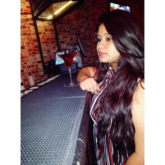 #justapose . . . . . . . . . . . . #longhair#roposopic#posingforthecamera#hyderabadfashionblogger#roposodaily#fashionlover#roposolove#fashionaddict#simpleyetclassy#followforfollow#like4like#bdayscenes#tbh#throwback#roposogood#fashionista#indianblogger#blogginglove#hairlove#instasize#tryingtopose#poser#goodvibesonly#roposoblogger