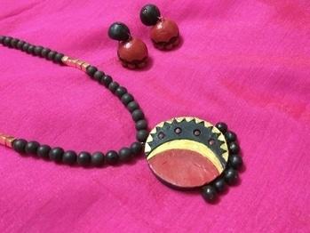Terracotta ethnic Jewellery.. completely handmade.. feeling wonderful😎😎😍😍 #handmade #jewellerydesigner #loveforart #terracotta #be-fashionable #ethnic