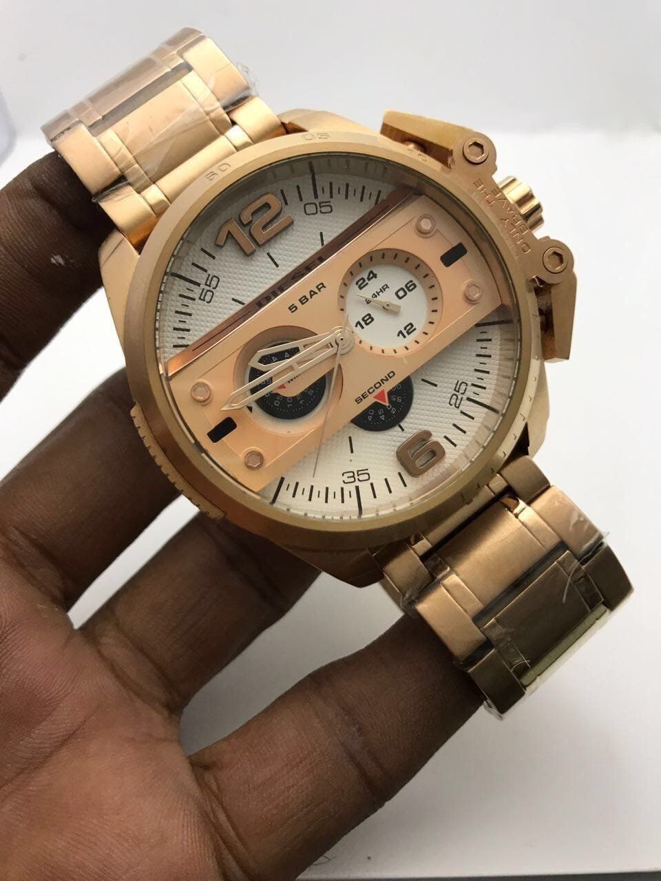 ⛔CARTIER ⛔OMEGA⛔DIESEL⛔ WATCH FOR MANS ⛔BEST QUALITY WATCH ⛔ALL CHRONOGRAPHS WORKING⛔ ⛔STOP WATCH MACHINE WORKING⛔ ⛔DATE WORKING⛔ ⛔BRAND NAME ON BACK&LOCK&LOGO KEY⛔  ⛔₹₹@3300/- FREE SHIP ALL INDIA⛔  TO BUY SEND DM OR WATSAAP 9999142594  Chat with me on the #RoposoApp to buy this product! #roposo #thebazaar  #cartierwatches #diesel-watch #dieselwatches #watchaddict  #stylishwatches  #roposo #chattobuy  #fashion  #shopping  #shop  #buy  #seller  #newarrival #onlineshopping  #latesttrend #fashionpost  #fashionlover  #fashionoftheday #fashionlook #fashionlover #trendy  #trendyfashion  #onlineboutique  #onlinestore  #onlineshop