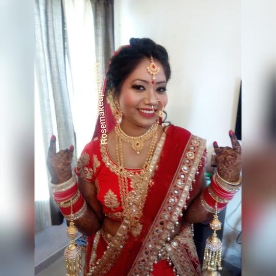 #rosemakeupartistry #indianbrides #punebridalmakeupartist #makeupartistinpune #asianbride #bridalmakeup