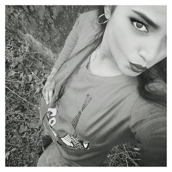 #Soul On #Fleek 🌠 ... ❤ ... ❤ ... #Swaggy ❤ .....❤ #selfie #selfieaddict #selfiequeen 💟 #slaygirl #black-and-white ❤ #RoposoGirl 💖 #Roposo 😉