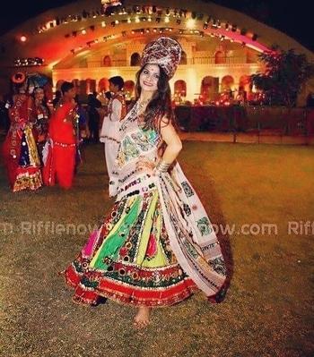#navratri #navratri2017 #favouritecolour #favouritedays #dandiya #garba #roposo #soroposo #happieness #jai mata dee #jaimatadi #navratrilehenga #lehengacholi #colourful