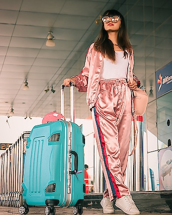 "Off to Hyderabad✈️ Wearing @sheinofficial #airportoutfit . . Shop this look here ( http://bit.ly/2PGlsgn ) or search id- 608187 . . Use my code ""ekha04"" to enjoy 300rs off on order over 2600rs . . 📷- @callisto_studio . . #fashionblogger#fashioninfluencer#lifestyleblogger#indianblogger#travelblogger#fashionista#airportlook#sportylook#keepitstylish#beconfident#travelling#travelblogsoon#postoftheday#instamood#instagood#riyalekhadia"
