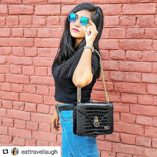 #Repost @eattravellaugh (@get_repost) ・・・ Who wants this bag cuz I can make that happen! 💞 Double Tap for outfit details. Bag : @e2ofashion 😍 #eattravellaugh #e2ofashion