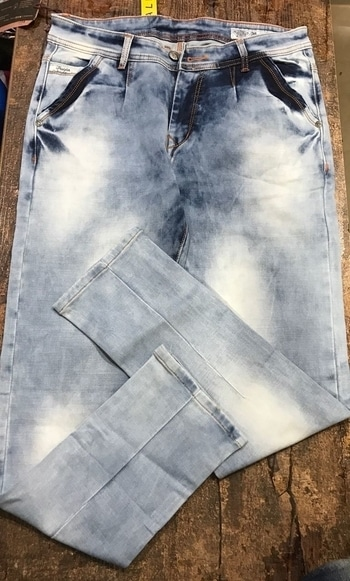 Brand : wrangler armani zmr etc etc   Style  : men's ton jeans and balloon jeans   All new high quality fabric   All new ice blue shades   Size : 30 32 34 36   Rate :-1299 Shipping extra  09559285742