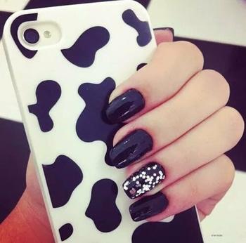 #black-and-white #love4black #favcolor #nailpolishaddict #love4nails #fashionable #always #love #black #mahfavone #mystyle #fashionista #roposo-style #roposoblack #roposo-fashiondiaries