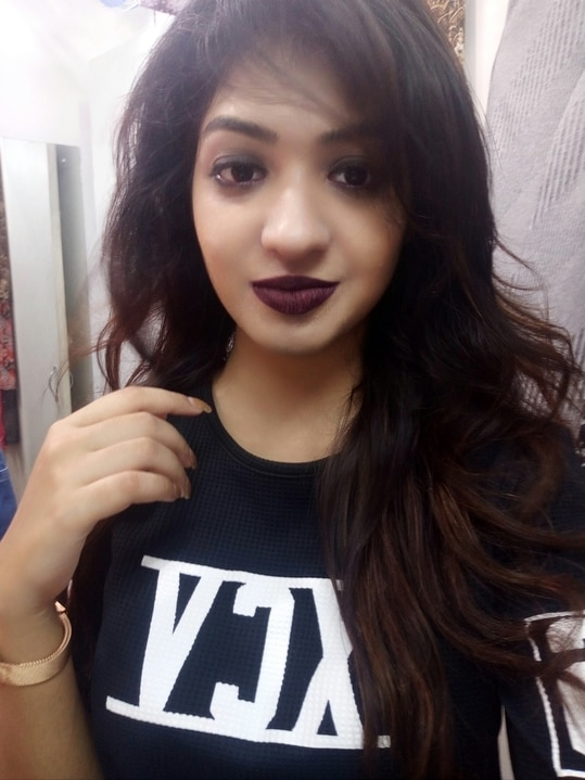 Transylvania. Guess the brand of this lip shade! 💜💜💜 #lipcolour #celebrityfashion #fashion #blogger #blackisbae #roposo #soroposo
