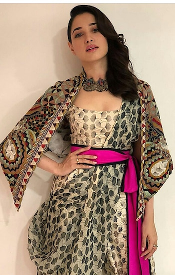 #boldlips #gowndress #tamannaahbhatia #fashionquotient