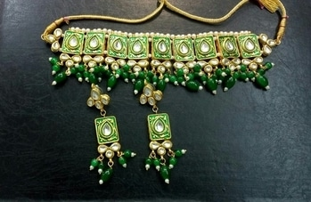 Green Kundan Choker 💚  💎💎💎💎💎💎💎💎💎💎💎💎 °Manufacturer Of Kundan Jewellery° ✓All The Kundan Jewellery Pics Posted On The Page Are Always Available ✓  °Everything Is Made On Order° ✓Any Colour Can Be Customised As Per your Preference✓ ✓contact - 9999274651✓ °Contact For Wholesale Jewellery° °Join us as a reseller° ✓whatsapp 9999274651 for enquiries and placing Orders 💎💎💎💎💎💎💎💎💎💎💎💎  #kundanjewellery #kundanjadau #chokerstyle #Indianjewellery #traditionaljewellery #weddingjewellery #weddingseason #kundanchoker  #Golden #Darkcolours #allaboutjewellery #Newdesigns