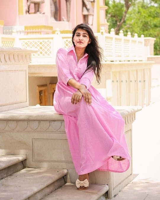 Flaunting Pink Maxi from @veshbhusha_jaipur. I love the fall of the maxi along with it's color and comfort cloth. ❤️ .  .  .  Picture Credits :@akashyap_ . .  #fashion #beauty #fashionblogger #jaipurblogger #jaipurbloggers #ny #india #igersjaipur #igers #picoftheday #ootd #outfitoftheday #lookoftheday #selfie #roposolive #instablogger #youtuber #instagram #instapic #instadaily #dubai #newyork #review #jaipur #trendalert #cosmopolitan #cosmo #vogue #treasuremuse 😊#roposolive #roposogal #ropo-love #roposo #roposoblogger #roposofashion #roposofood #soroposo #roposostickers
