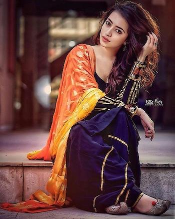 #punjabigirl #punjabisuit #suitgirl #suit #cutegirl #loveness