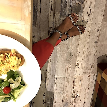Ladies nights call for dress up and  good food with the squad 😎  #fashionforall #globaltrends #designershoes #trending #shoelove #dailyfashion #shoefie #womenswear #newcollection #daylook #partywear #weekendwear #stilettos #intotos #new #shiny #trendy #shinyheels #strappys #party #newshoes #stylefile #elegant #minimal #whatshot #highheels #grey