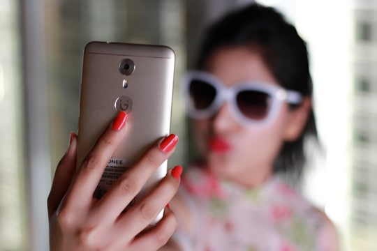 #GioneeA1 13MP rear and 16MP front camera giving me picture goals, loving it💟💟💟 #BeA1 #IamA1 #selfiestan #GioneeShutterbugs #GioneeIndia @gioneeindia #roposolove #soroposo #roposoblogger #fashionblogger #yournextpick #lifestyleproducts