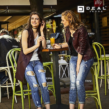 Calling a stylish date with your friendzy this weekend! #DealJeans