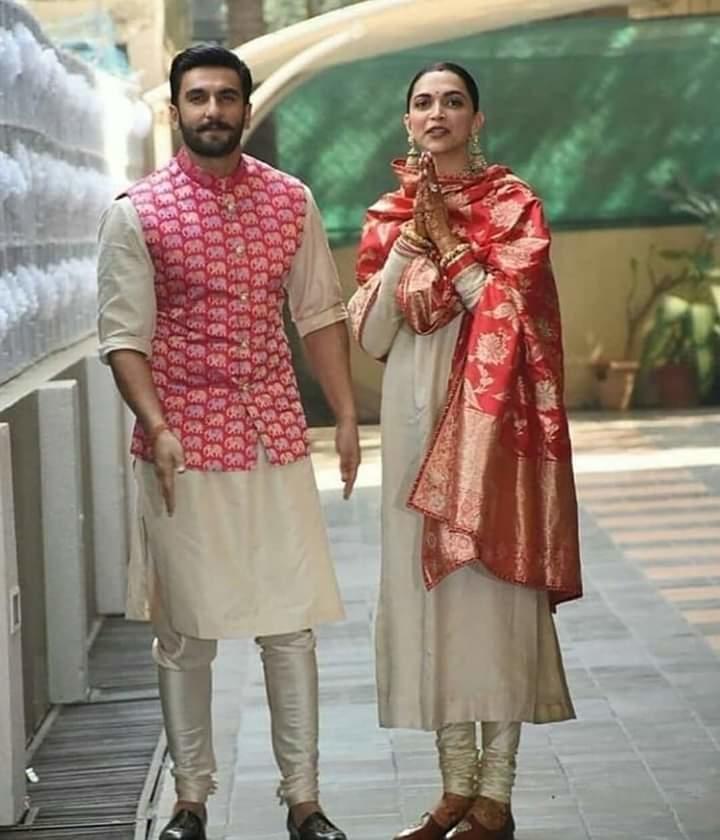 The newlywed's couple  @ranveersingh and @deepikapadukone are back❤Just can't take the eyes off on this beautiful Jodi 😍  #ranveerdeepika #DeepVeerKiShaadi #DeepikaWedsRanveer #DeepikaRanveerWedding #couple #couplesgoals  #RanveerSingh #DeepikaPadukone