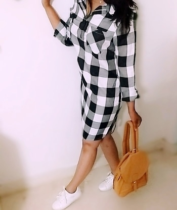 #checkerd  #blackandwhite  #shirtdress  #superstars  #adidas  #whitesneakers  #tanbags  #backpack  #collegegirl  #outfit  #casualstyle  #casualwear