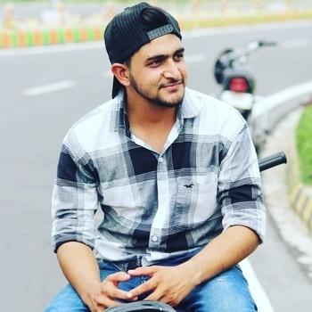 ਜਿਵੇ ਰਾਂਝਾ ਹੋਇਆ ਹੀਰ ਦਾ ।।😘 ਜਿਵੇ ਦੁੱਧ ਹੋਇਆ ਖੀਰ ਦਾ ।।🍶 ਓਦਾਂ ਆਲ ਓਵਰ ਇੰਡੀਆ ।।😎 ਰੋਹਬ ਤੁਹਾਡੇ ਵੀਰ ਦਾ ।।😏   #elegant__boy   https://www.instagram.com/elegant__boy/ https://www.instagram.com/elegant__boy/  #model #instagram #famesbeauty #modelo #mark5diii #village #amritsar #swaag #fashion #trendsetter