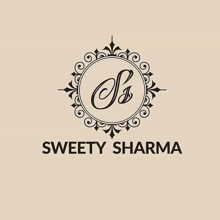 Sweety Sharma- The Fashion Inspiration:   http://www.indianfashionbloggers.com/sweety-sharma-fashion-designer/