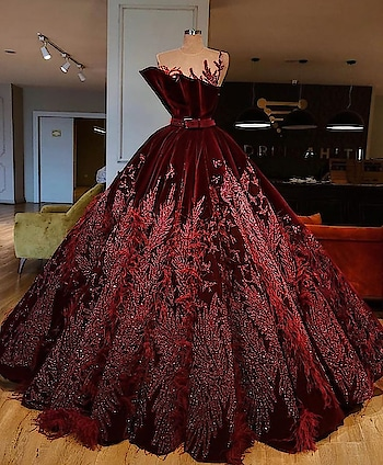 this dress need no caption😍 #roposo-fashiondiaries #roposofashionblogger #ropsofashion #dress 👗  #gowndress #gownspiration