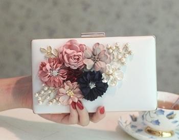 #clutch #designerbags #designerclutches #partywearclutch #designer #partywear #purse #wallets #handbag #sling #designerslings GD  High Quality clutch... Pre-order...  To order dm or WhatsApp-(+91)-9157500031