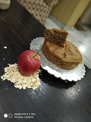 Oats Apple Cake