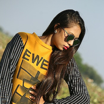#sunnyday  #photoshoot #photogram #roposo-makeupandfashiondiaries #make up #goggles #roposo-styl #casual-clothing 💞