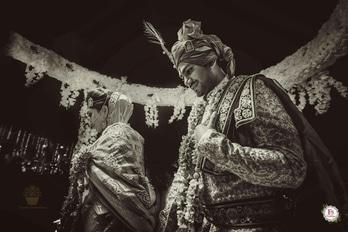 Udaipur Memoirs! Wedding wows by F5 Weddings at Jagmandir Palace.