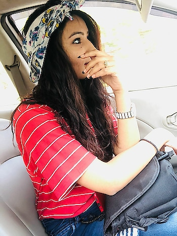having friends who take your random picture is a blessing 😍 . . . . #random #randomclick