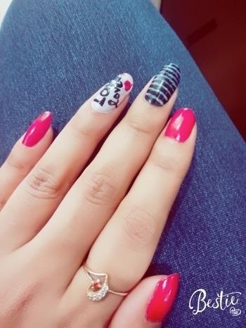 nail art love 😍😍