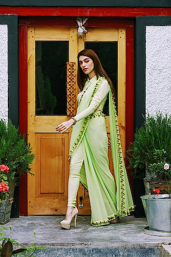 Like a breath of fresh air 😍 Monday freshness with the gorgeous @maiasethna.in in our mint #pantsaree from #fragmentsbynityabajaj  Maia took this all folded in her suitcase for a special series that were shot in ladakh by the talented @tanvivoraphotography , it opened up uncrushed, without any wrinkles and creases, exactly what you need for your destination travels!! Don't miss to shop our signature pieces only at www.nityabajaj.com #mint #mintgreen #labelnityabajaj #FRAGMENTS18 #Fragments #Springsummer2018 #maiia #maia #