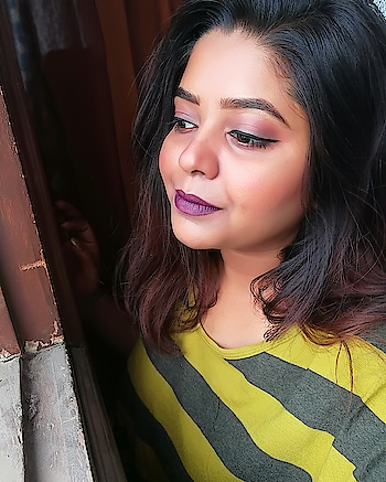 Just a simple tuesday vibes..   A wash of colour on the eyelid. A winged liner. And a dark lip.. Dark lip are my all time favourite👄 & yes dont forget that eyebrow.. @maybelline @elle18    #makeuplover #wetnwild #makeuprevolution #makeupfanatic #makeuptutorial #fashiondiaries #fashion #fashionblogger #beautyisheart #beautybloggers #beautygoals #maybellinecolorshow #makeuplooks #makeupaddict #nofilter #purple #makeuplooks #makeupworld  Feel fabulous feel fashionable