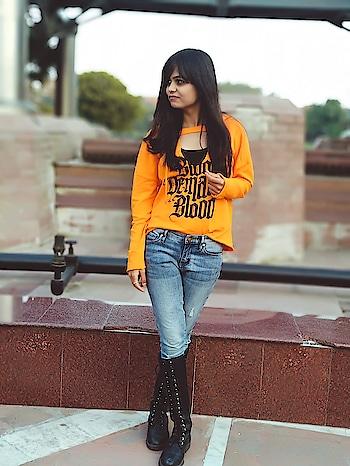 Lee Sora . . . . . . . #fashionphotoshoot  #fashion  #fashionblogger  #bloggergirl  #love  #f4f  #followers  #like  #ropo-style  #roposo  #hot #sunshine  #ootd  #ootdtb  #delhi  #chic  #styles